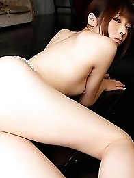 Feel the erection seeing big boobs of this chick Mana Haruka