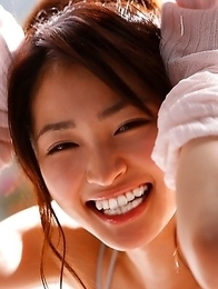 Rei Okamoto in sexy lingerie plays making soap bubbles