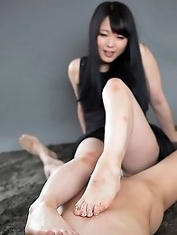 Pale hottie Yui Kawagoe demonstrates her perfect footjob skills on camera
